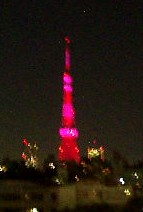 ピンク色の東京タワー