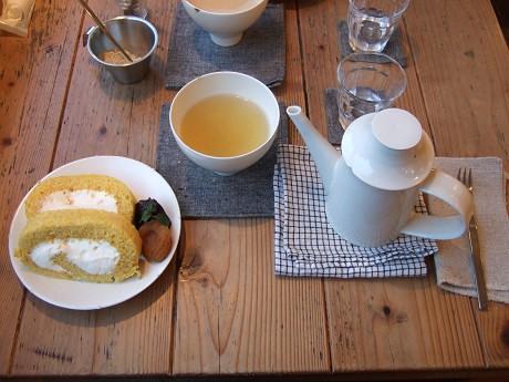 Annon cook(アンノン・クック) おからのパンプキンロール ハーブティ(石垣島の無農薬の野草を18種類ブレンドしているお茶)