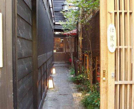 京料理、京ゆば麺うどん さくらさくら 白金台2_s