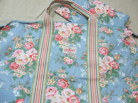 Cath Kidston キャスキッドソン HOLIDAY BAG ホリデーバッグ CANDY FLOWERS BLUE キャンディーフラワーズブルー6