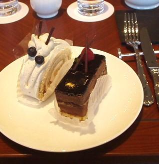 FORTNUM & MASON(フォートナム・アンド・メイソン) ケーキセット チョコレートケーキと紅茶のケーキ